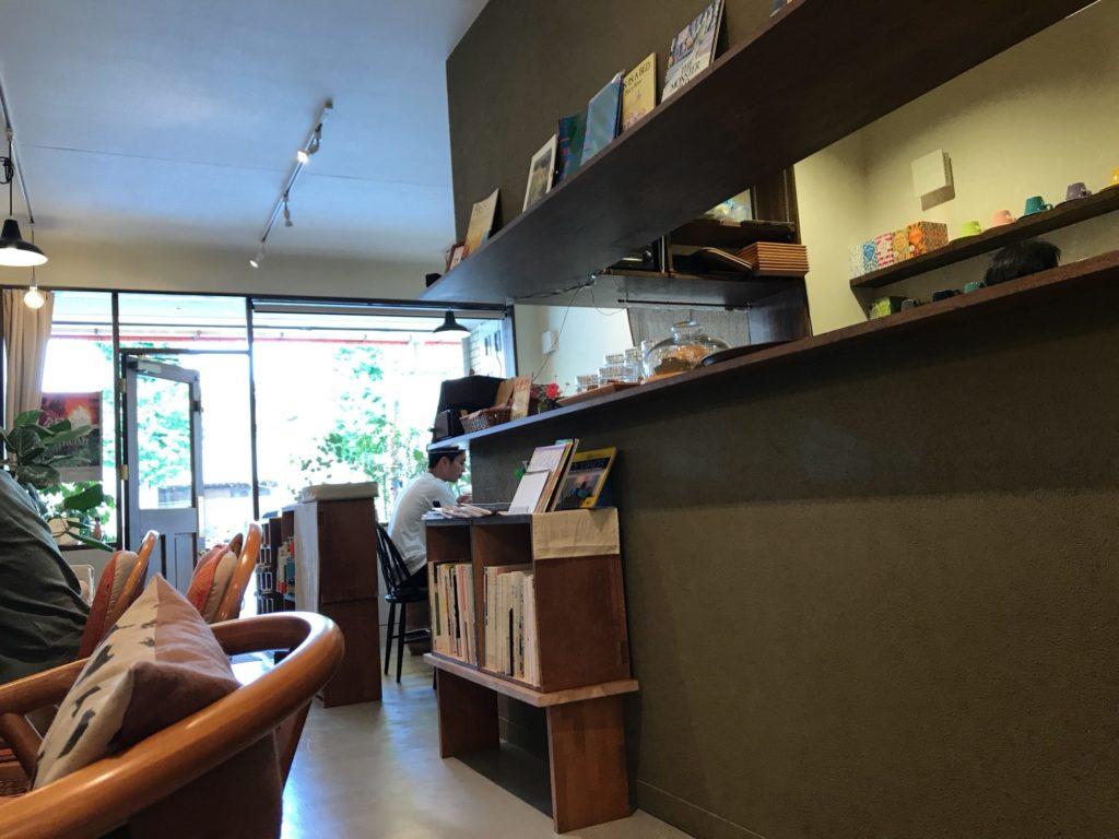 喫茶ヨジハン店内